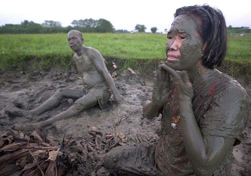 6252003 Mud person festival  The Cellar