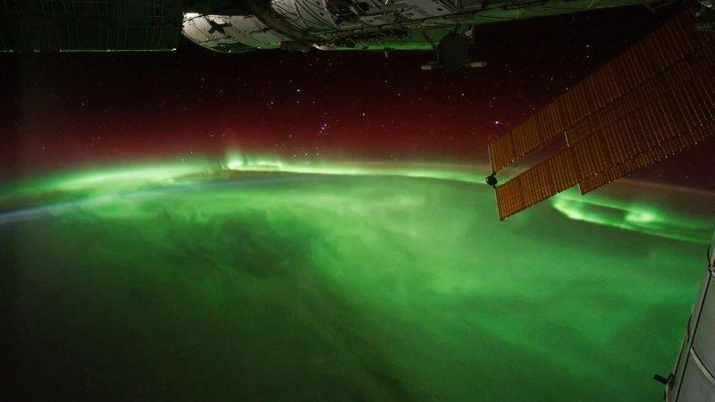 Name:  Aurora-Boreal-ISSsmall.jpg Views: 287 Size:  38.2 KB