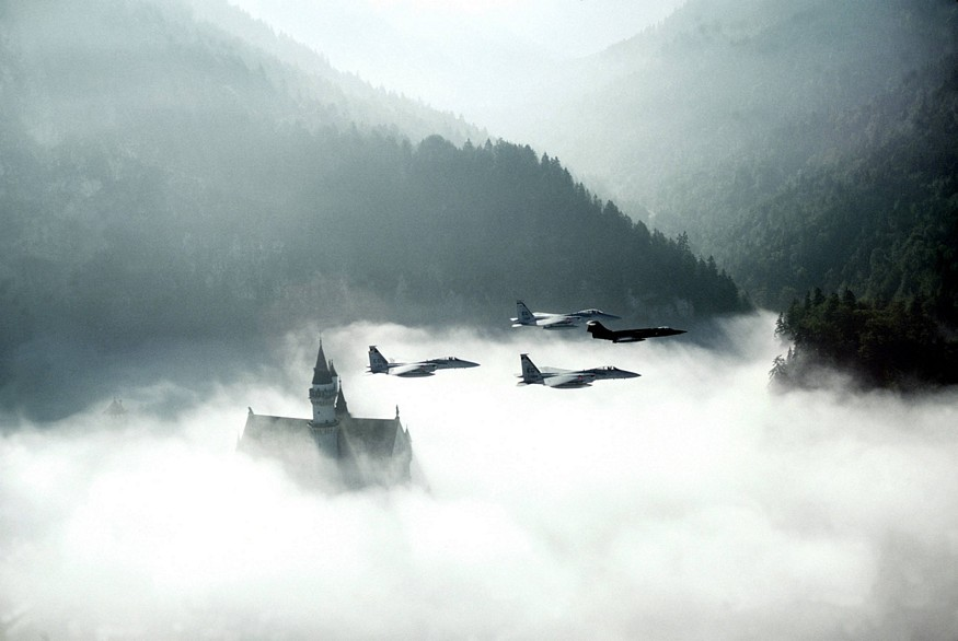 Name:  neuschwansteincastleflyby.jpg Views: 565 Size:  80.7 KB
