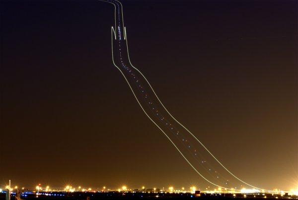 Name:  plane_trails_9999.jpg Views: 352 Size:  20.2 KB