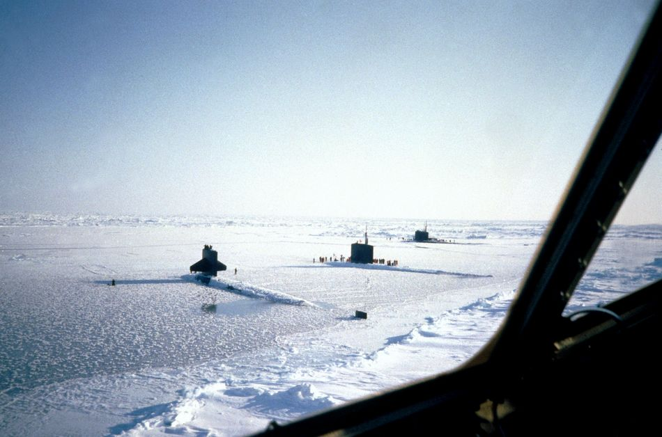 Name:  nuclearsubmarinesatnorthpole.jpg