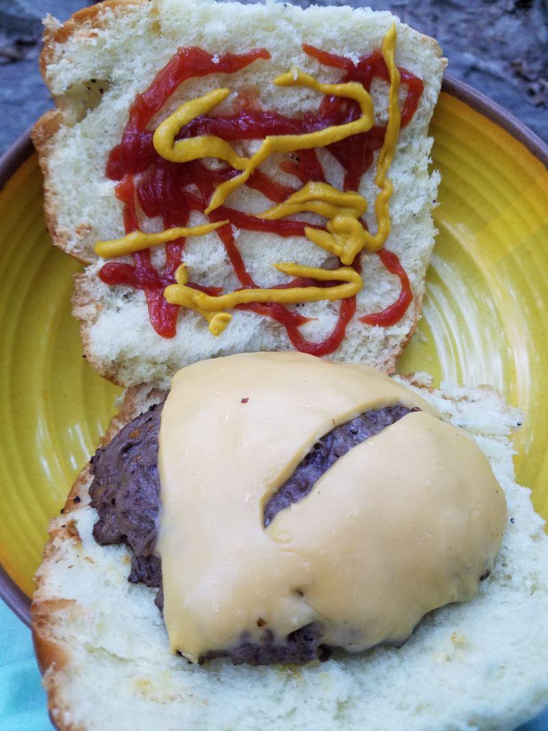 Name:  Finished burger.jpg Views: 108 Size:  127.7 KB