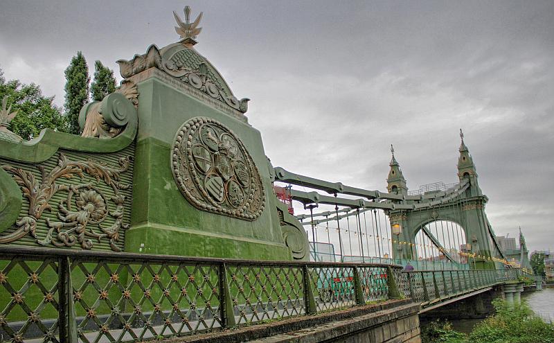 Name:  hammersmith bridge.jpg Views: 120 Size:  84.2 KB