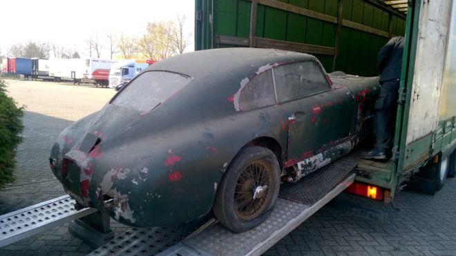 Name:  Aston M 1.jpg Views: 370 Size:  40.8 KB