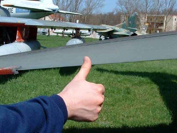 Name:  F-104 leading edge..jpg Views: 38 Size:  62.0 KB