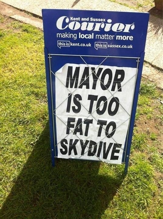Name:  Mayor is too fat to skydive.jpg