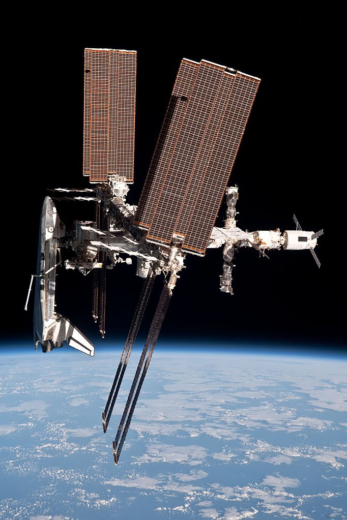 Name:  Endeavour_docked_to_ISStaken fromdepartingSoyuz.jpg