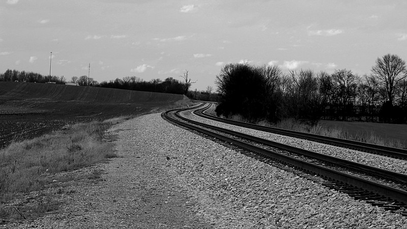 Name:  steelrails.jpg Views: 128 Size:  141.0 KB