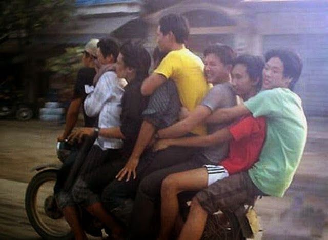 Name:  motorcycles-carrying-heavy-loads-31.jpg Views: 225 Size:  51.5 KB