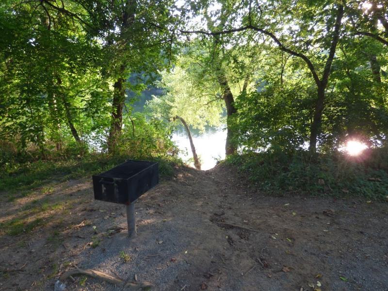 Name:  A creek 2.jpg Views: 69 Size:  212.9 KB