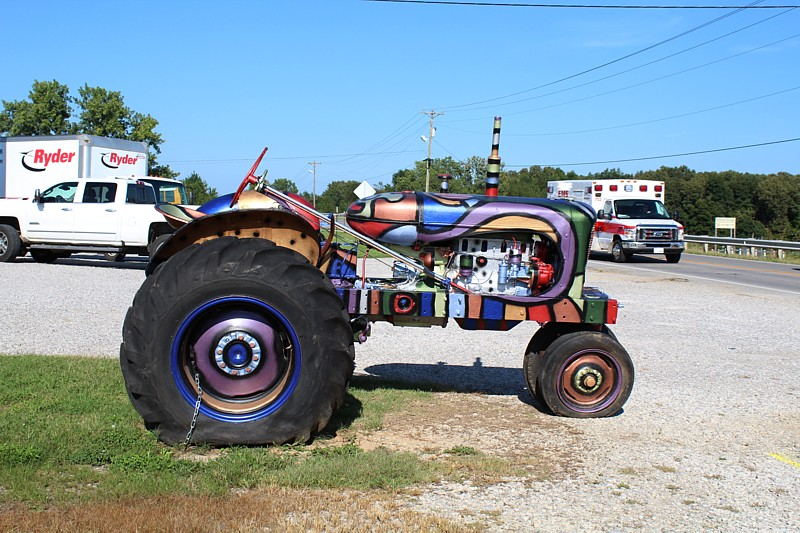 Name:  tractor.jpg Views: 105 Size:  172.4 KB
