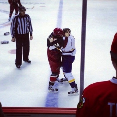 Name:  fighting-on-the-ice-401x400.jpg Views: 384 Size:  34.3 KB