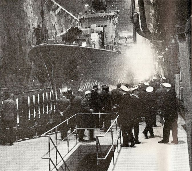 Name:  The Swedish destroyer HSwMS Småland in one of the underground docks in Muskö naval base (1960)..jpg Views: 260 Size:  115.8 KB